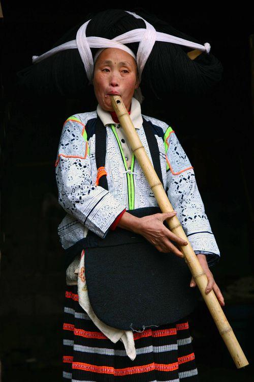 Blog - Femme Miao a la flute